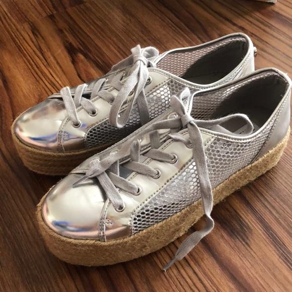 ad676f4889b Steve Madden MARS Metallic Silver Platform Sneaker.  M 5c4e1b1a8ad2f93037aeb698